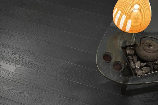 Parkett Tarkett Play Eik Charcoal 1 stav. Nærbilde av gulv.