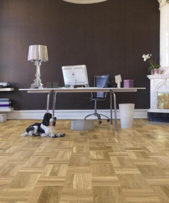 Mønstergulv Tarkett Noble Eik Retro. Foto av gulv i rom.