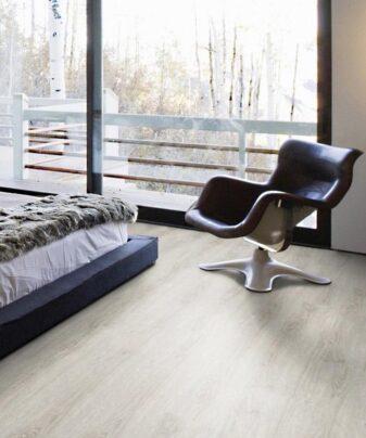 Korkgulv Wicanders Wood Resist+ - Frozen Oak fra Parketteksperten. Foto.