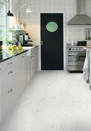Kjøkken med vinylgulv